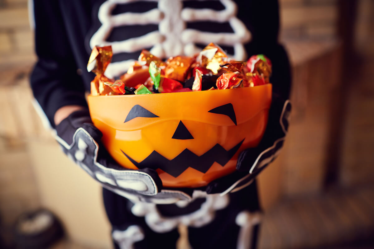 top halloween candy deals right now!living rich with coupons®